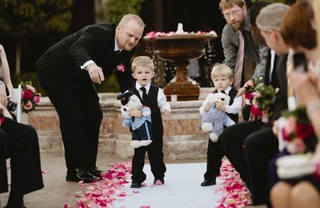 Как развлечь детей на летней свадьбе