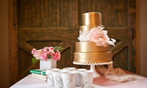 gold-wedding-cake-romantic__full-carousel