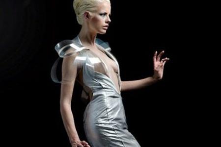 Платье для инопланетянок или обычных женщин?