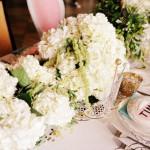 Белоснежный цвет идеален для весенней свадьбы