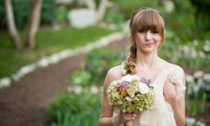 bride-with-bangs-and-a-side-braid