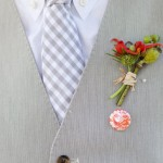 Светло-серый жилет - прекрасный вариант для летней свадьбы