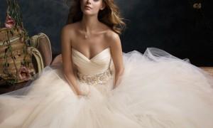 Свадебное платье от Lazaro - роскошь