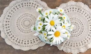 wedding-diy-projects-vintage-lace-daisy-wedding-flowers__full