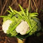 Свадебный букет со спаржей и брокколи