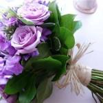 Свадебный букет с фиолетовыми розами