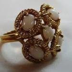 Кольцо с опалами