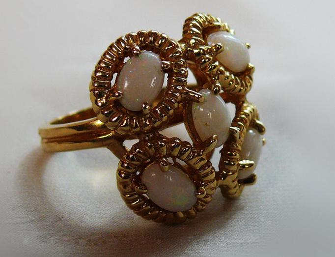 Если кольцо обручальное на росписи
