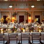 Свечи украсят свадебный стол
