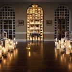 Свечи в украшении свадебного зала