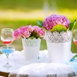 Цветы в горшочках для украшения свадьбы