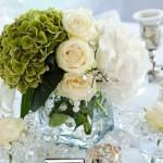 Бело-зеленый декор свадебного стола