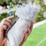 Белоснежный клатч для стильной невесты