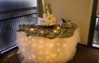 Свадебный стол, освещенный изнутри