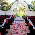 Церемония венчания в красном, черном и белом цвете