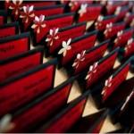 Пригласительные в красном, черном и белом цвете