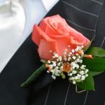 Классическая роза для бутоньерки