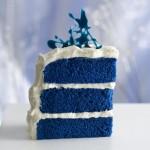 Кусочек синего свадебного торта