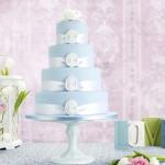 Торт украшенный шелковыми ленточками