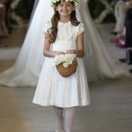 Светлое платьице для девочки-цветочницы