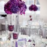 Пурпурное украшение свадебного стола
