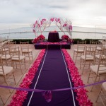 Выездная церемония в пурпурном цвете