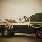 Ретро-автомобиль в гавайском стиле