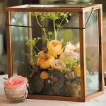 Композиции из цветов в аквариуме на свадьбе