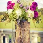 Оригинальная ваза с необычными цветами