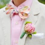 Бутоньерка и бабочка в розовом цвете