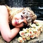 Невеста в цветочной диадеме