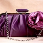 Фиолетовый клатч с цветком