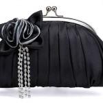 Клатч с черным цветком и алмазами
