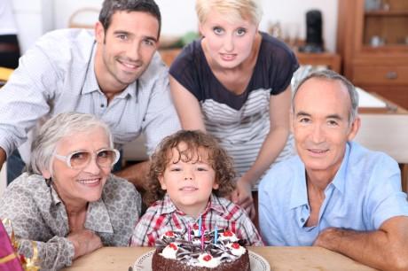 Молодая семья и родители
