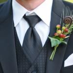 Свадебная бутоньерка с использованием ягод