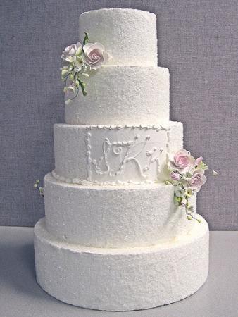 Белый свадебный торт для зимней свадьбы - Nashasvadba.net