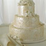 Свадебный торт с жемчужным блеском
