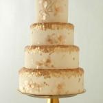 Свадебный торт в персиковый тонах