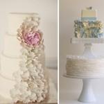 Свадебный торт украшенный лепестками цветов