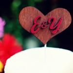 Деревянное сердце с инициалами