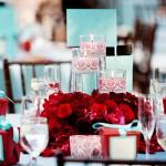 Свадьба с декором из красных роз
