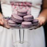 Пироженые из ежевики на свадьбе