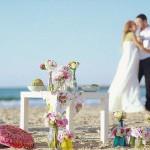 Свадебный пикник для двоих возле океана