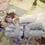 Свадебный пикник для двоих на цветных покрывалах