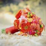 Ярко-оранжевый свадебный букет