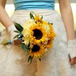 Оранжевый свадебный букет из подсолнухов