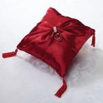 Красная свадебная подушечка для колец