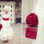 Красные свадебные аксессуары