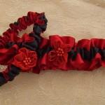 Красная свадебная подвязка для невесты