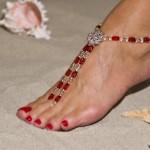 Рубиновое украшение для ножки невесты